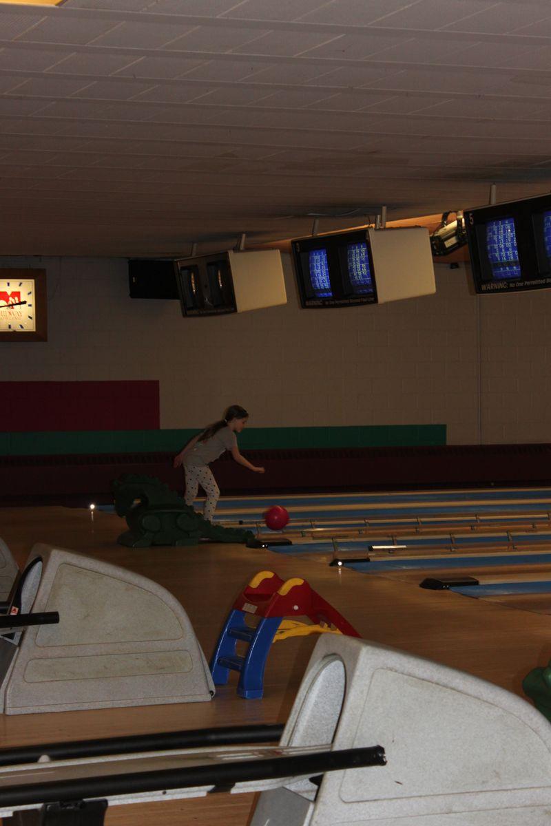 049 - Lia bowling - 22FEB14